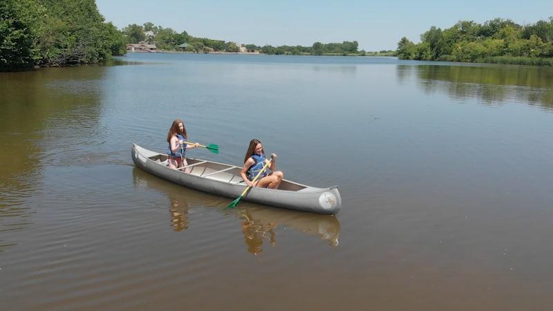 Canoe-Girls-010